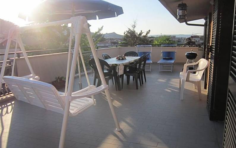 Appartement met 2 slaapkamers op 100 meter van het strand montesilvano pescara for Terras strijkijzer