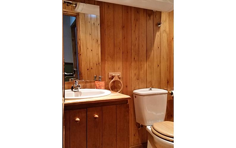 Apartment Bathroom Huesca Benasque Apartment - Bathroom