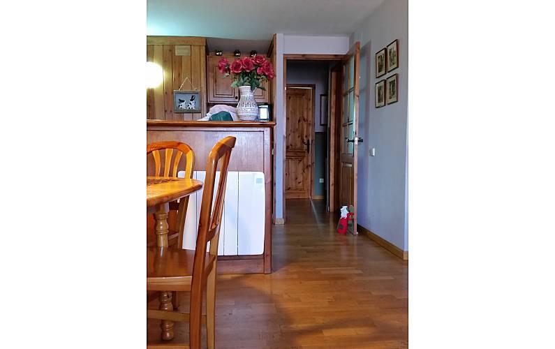Apartment Dining-room Huesca Benasque Apartment - Dining-room