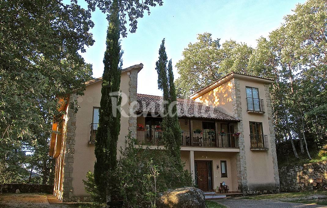 Villa para 10-11 personas con jardín privado Ávila