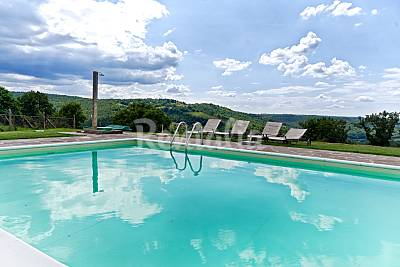 Sangiovese, country house con piscina nel Chianti Firenze
