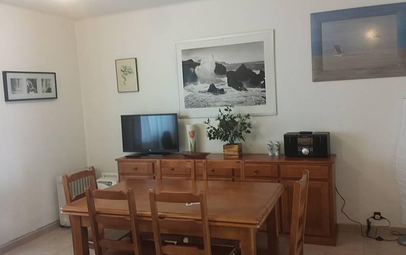 Apartamento com 2 quartos a 50 m da praia patos nigr n for Sala queen pontevedra