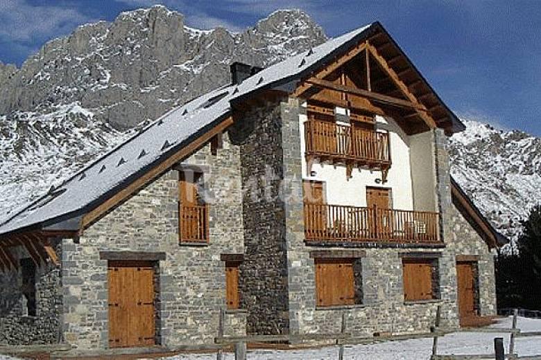 Formigal apartamentos en chalets formigal sallent de g llego huesca pirineos espa oles - Formigal apartamentos ...
