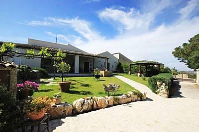 Casa con 8 stanze a 12 km dalla spiaggia Siracusa