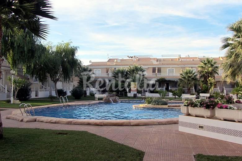 Casa de 3 habitaciones a 900 m de la playa los narejos for Piscina los alcazares