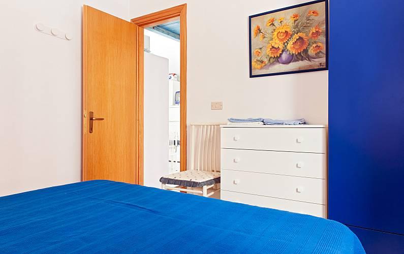 wohnung zur miete 150 meter bis zum strand santa maria. Black Bedroom Furniture Sets. Home Design Ideas