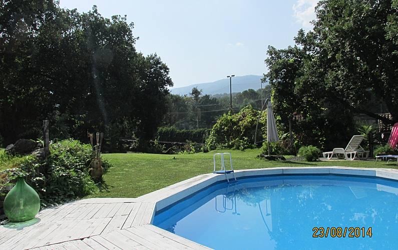 Etna casa rustica con giardino e piscina zafferana etnea catania parco dell 39 etna - Riscaldare velocemente casa montagna ...