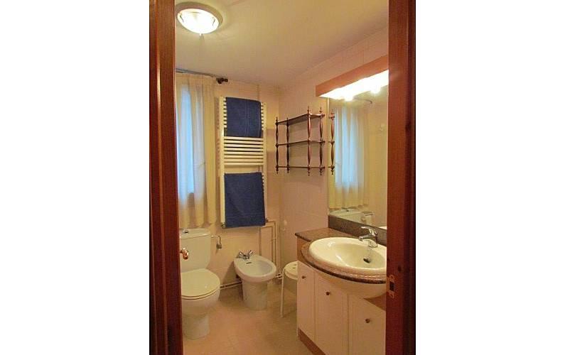 Apartment Bathroom Huesca Panticosa Apartment - Bathroom