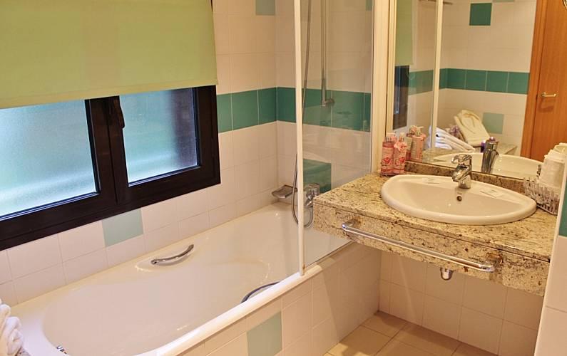 6 Bathroom La Massana Apartment - Bathroom