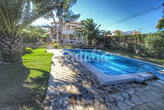 Villa for 8 people with a large garden Tarragona