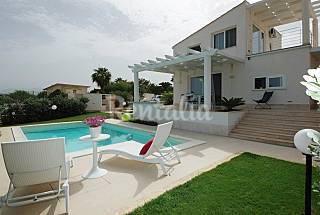 Villa for rent only 500 meters from the beach Palermo