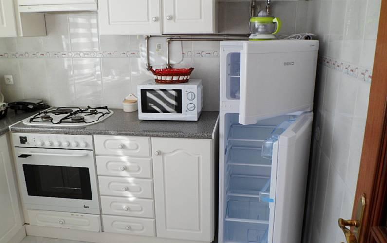 Apartamento T0 completo com 1 quarto em Olhão Algarve-Faro - Cozinha