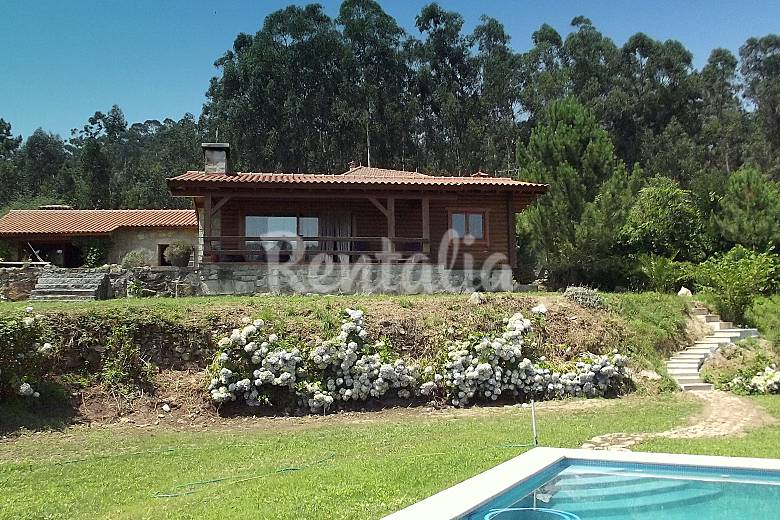Casa em madeira com piscina prox ponte de lima fojo for Piscinas viana