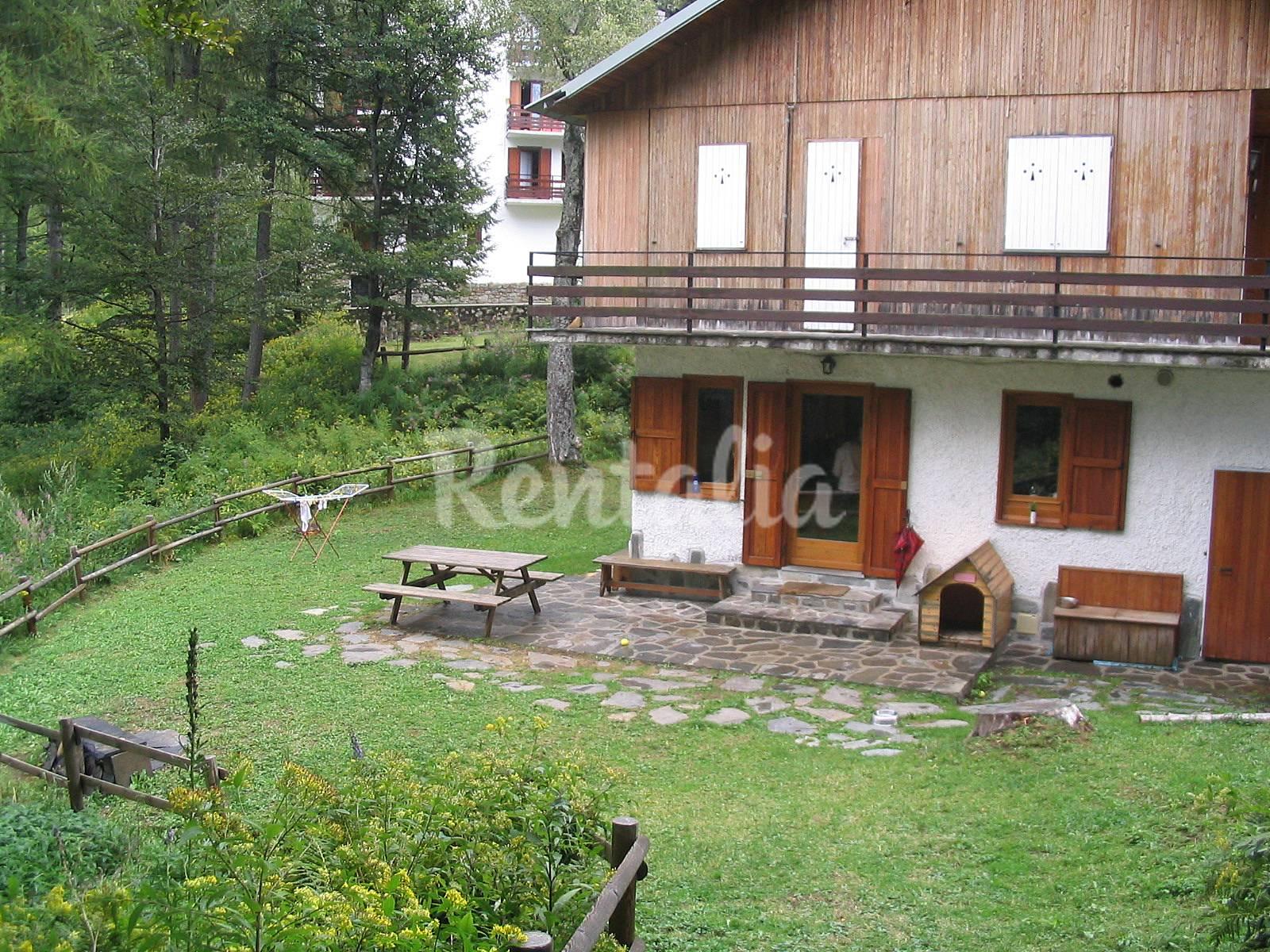 Villa in affitto pian delle betulle pian delle betulle for Case affitto lecco arredate