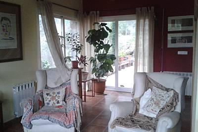 Villa de 2 habitaciones y un espacio con dos camas Madrid