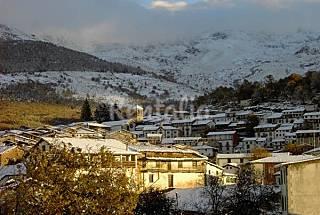Junto Estación de esquí La Covatilla Salamanca