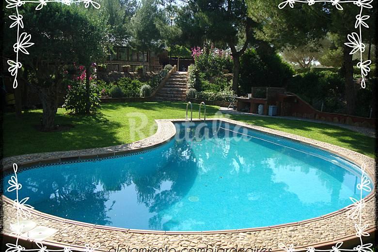 Casa rural con piscina y cerca de la playa pilar de la for Piscina alicante