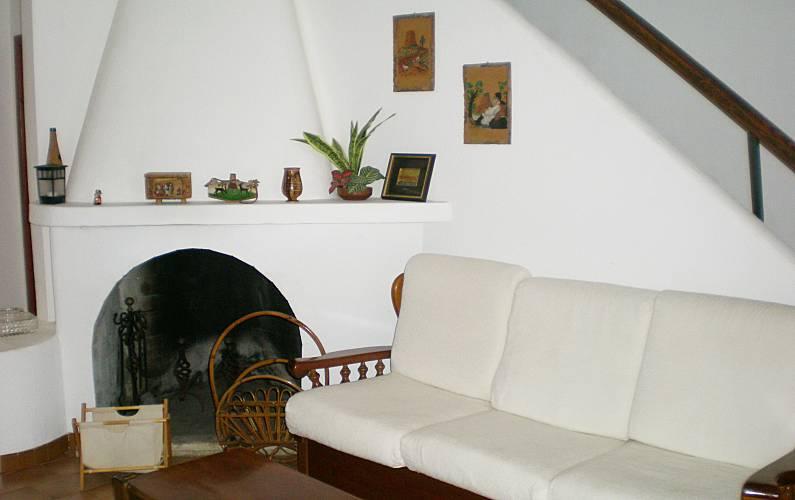 Villetta con 2 camere da letto a 100 m dal mare flumini for Branson cabin rentals 4 camere da letto