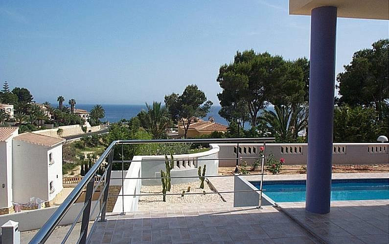 Villa de 7 dormitorios a 500 m de la playa Alicante