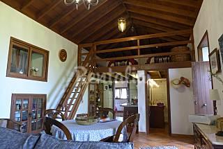 Casa antigua de piedra  y madera en Icod de ...