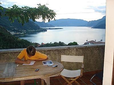 Casa in affitto con vista sul mare olgiasca colico for Case affitto lecco arredate