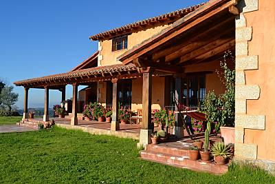 Casa para 10-11 personas con piscina Ávila