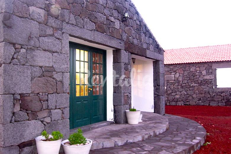 Ocean Front House near Natural Pool Pico Island