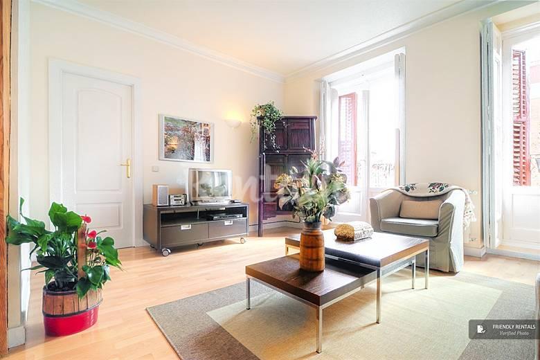 El apartamento princesa en madrid madrid madrid camino for Licencia apartamento turistico madrid