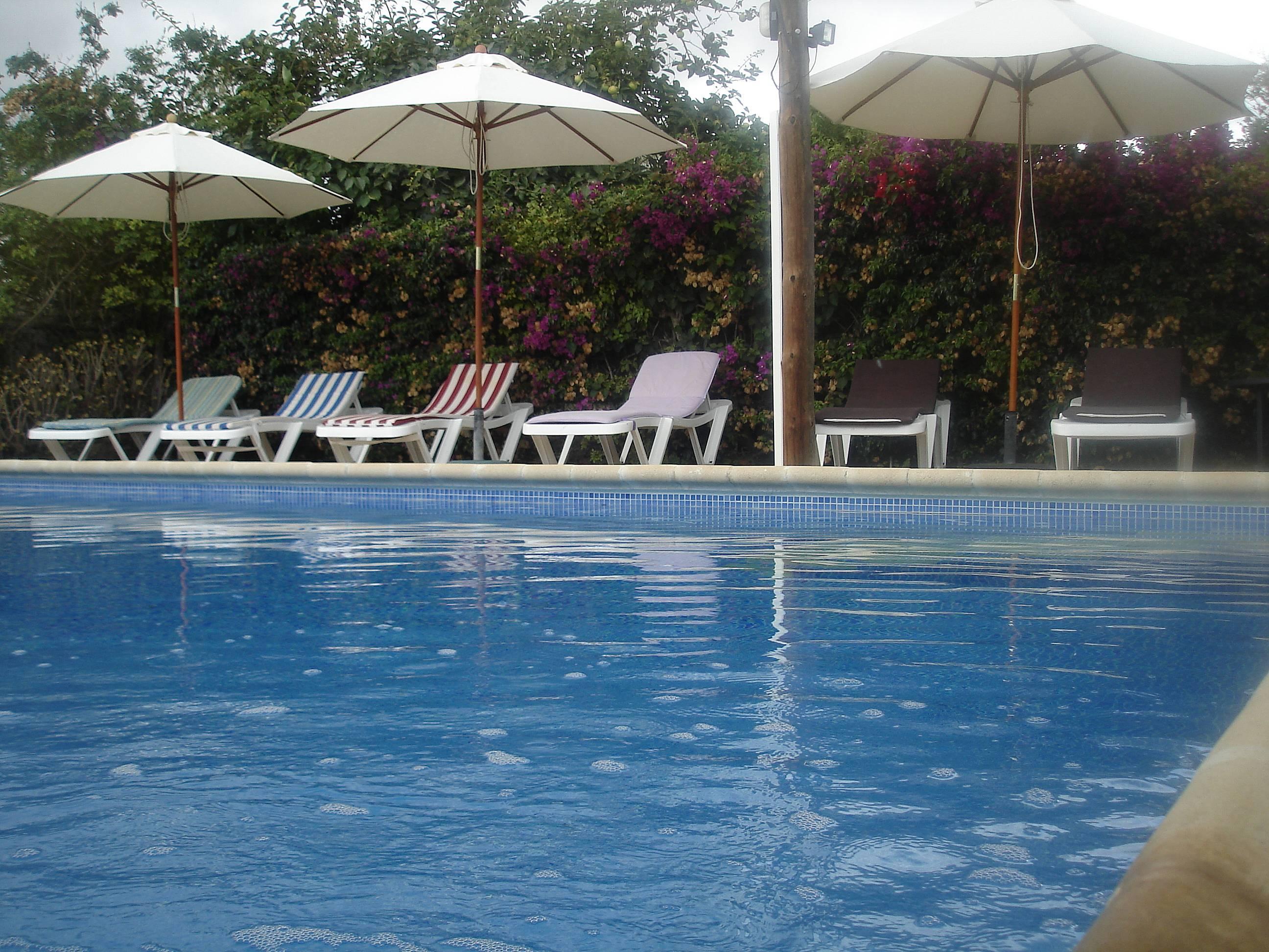 Casa rural con piscina privada y juegos para ni os sant for Piscinas naturales horta de sant joan