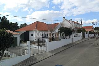 Villa near Lisbon and Caparica in a calm zone. Setúbal