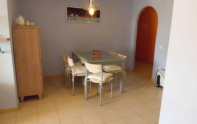 Apartamento para alugar a 100 m da praia riumar for Sala 0 tarragona