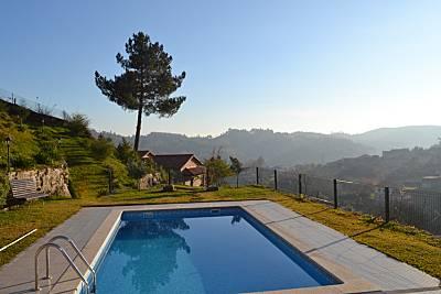 Casa com piscina e vistas únicas do Gerês Braga