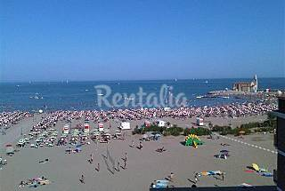 Apartment for rent on the beach front line Venice