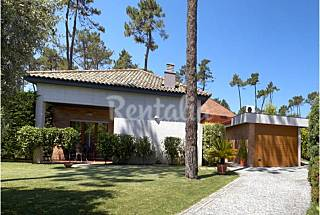 House T5 for rent only 300m from the beach Braga