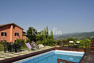 Apartament with coutryard  and swimming pool  Perugia