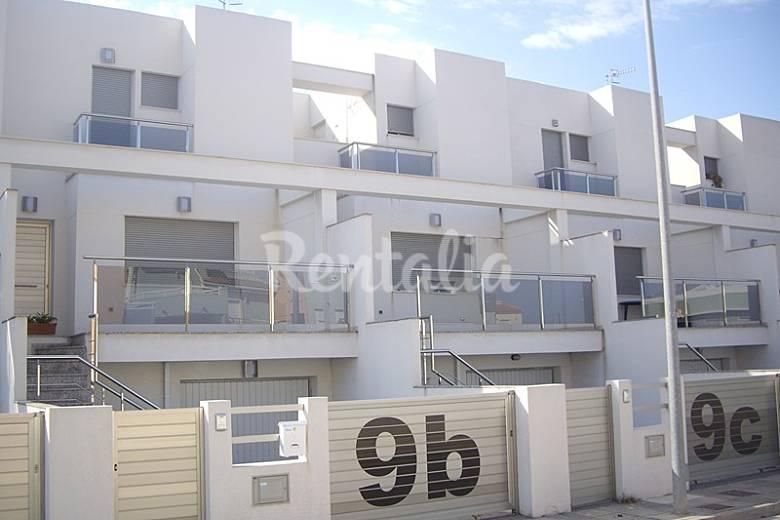 Casa adosada en alquiler a 500 m de la playa oliva playa oliva valencia - Alquiler de apartamentos en oliva playa ...
