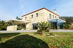 Casa com 4 quartos a 10 km da praia, com piscina Viana do Castelo