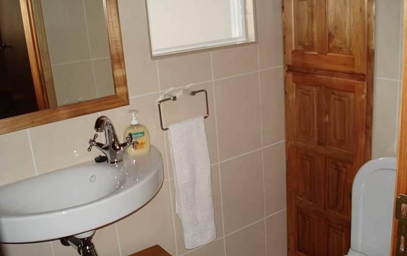 2 Bathroom Pico Island Lajes do Pico homes - Bathroom