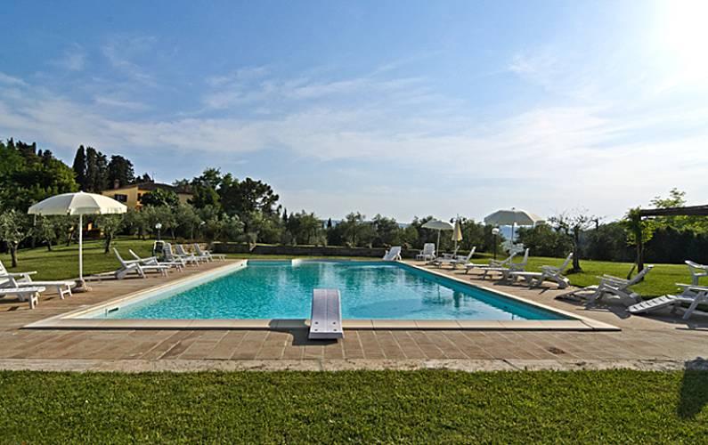 Casa en alquiler con piscina terricciola pisa colinas for Casa de alquiler con piscina