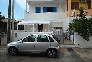House with 3 bedrooms only 30 meters from the beach Lecce