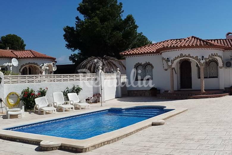 Villa con piscina privada para 6 personas miami playa for Villas con piscina privada