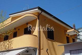 3 Appartements de 5 chambres à 100 m de la plage Rimini