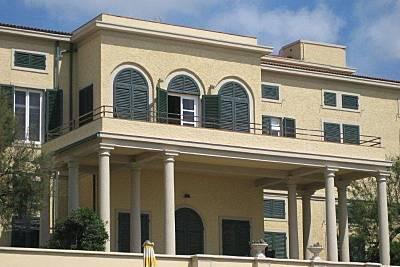 Apartamento de 4 habitaciones en 1a línea de playa Livorno