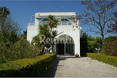 Villa a 300 m dalla spiaggia [piano terra] Lecce