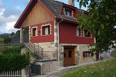 Casa para 7-10 personas con jardín privado Asturias