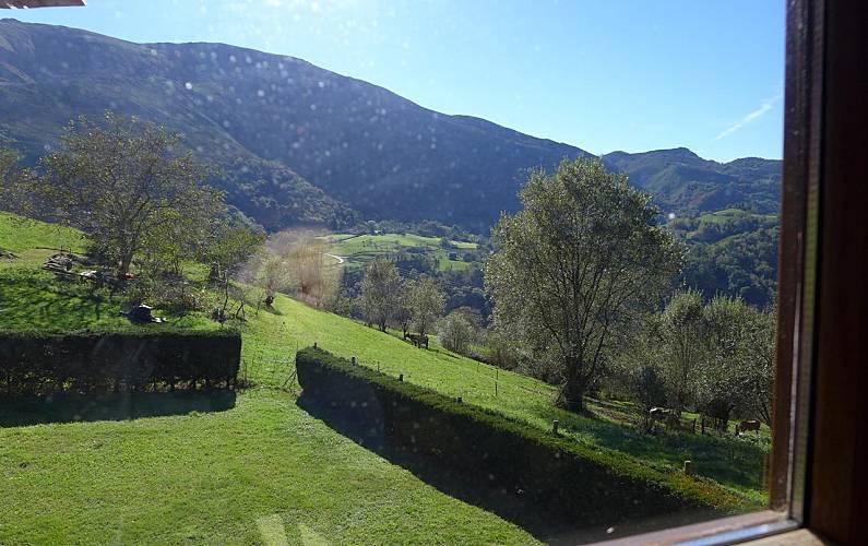 Villa Vistas desde la casa Asturias Llanes Villa en entorno rural - Vistas desde la casa