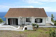 House for 6 people in Lajes do Pico Guarda