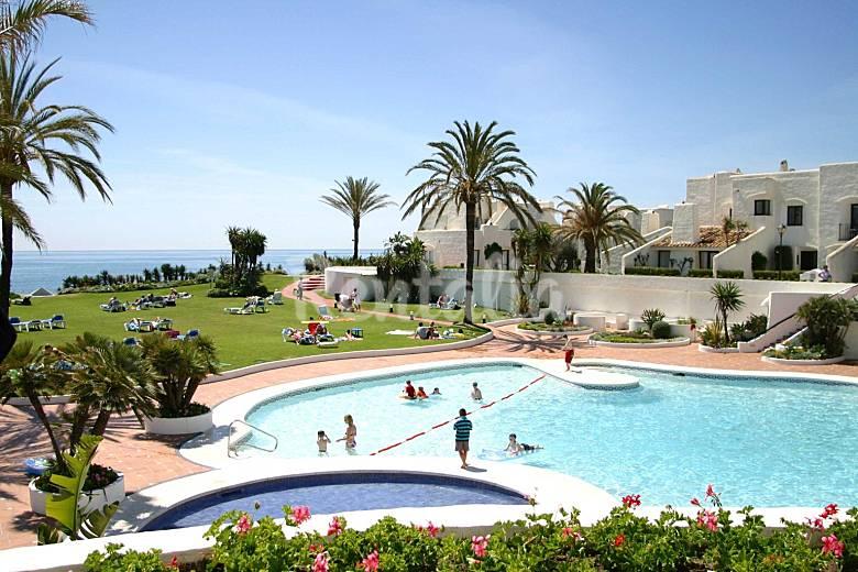 Apartamentos y bungalows en 1 linea de playa estepona m laga costa del sol - Paginas para alquilar apartamentos vacaciones ...