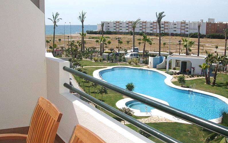 0b1ecccf7b0ae Ático con piscina privada 2 dormitorios Almería - Vistas desde la casa