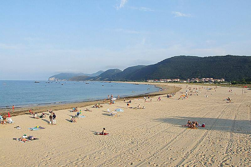 Noja apartamentos playa de trengandin alquiler noja cantabria camino de santiago del norte - Apartamentos baratos playa vacaciones ...